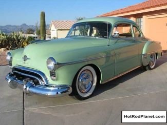 1950 Oldsmobile Holiday Rocket 88 Coupe Front Green